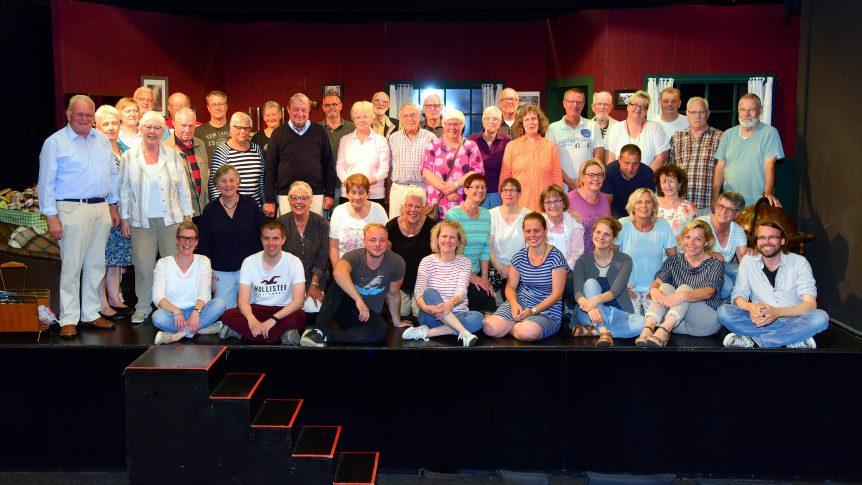Das Ensemble der Niederdeutschen Bühne Kiel 2019